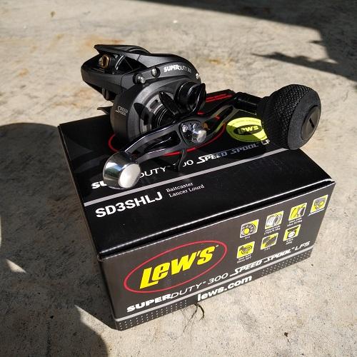 Máy câu cá Lew's Super Duty 300 LH